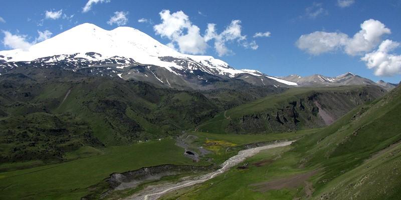 Elbrus vom Norden im Juli 2013