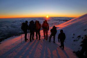 Gipfelsturm - oder Nacht der langen Schatten