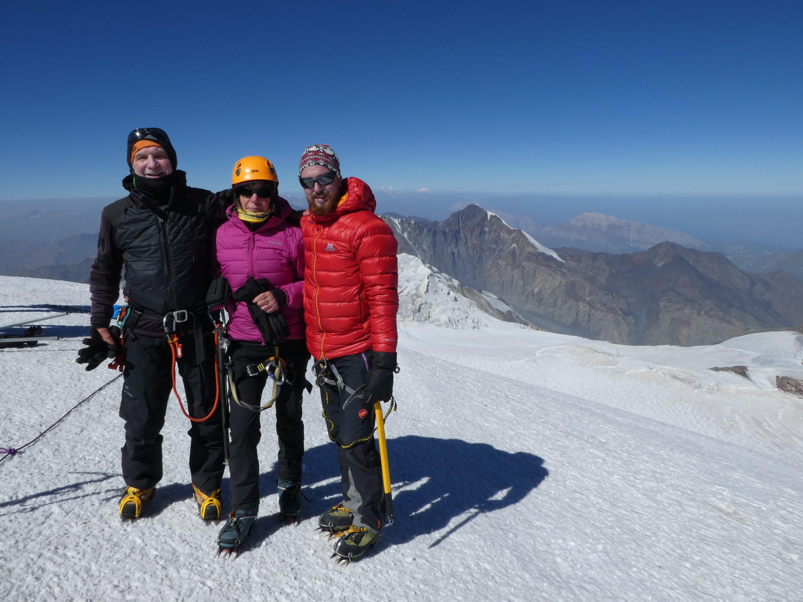 Kasbek von Norden, Elbrus von Norden